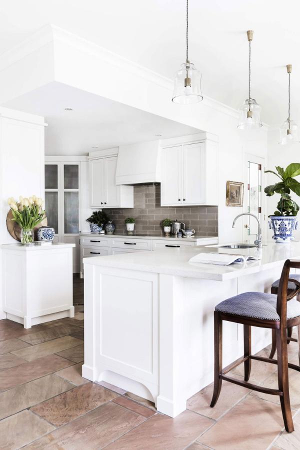 journey-home-interiors-yarralumla-au-interior-design-myths-white-kitchen-clear-bell-pendants-grey-subway-tile